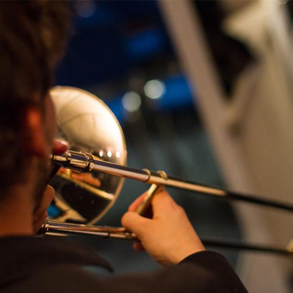 Am Donnerstag den 29. Juni spielte unsere DOWNTOWN BIGBAND ein WAHNSINNS KONZERT im Sensemble Theater.